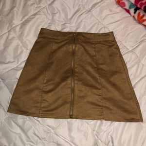 Camel Zip-up Skirt